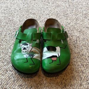 Birkenstock green cow Boston clog cow shoes 10